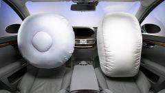 Airbag difettoso, in Gran Bretagna Mercedes richiama 400 mila vetture