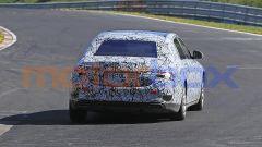 Mercedes-Maybach Classe S: dietro si vedono i tubi di scarico trapezoidali
