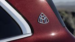 Mercedes-Maybach GLS, il logo Maybach sul montante