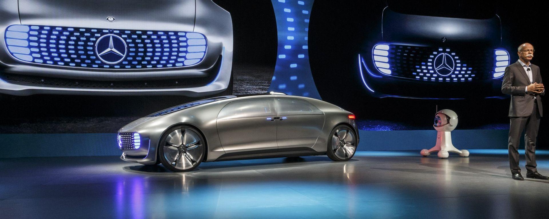 Mercedes: nuovo brand elettrico contro Tesla e BMW