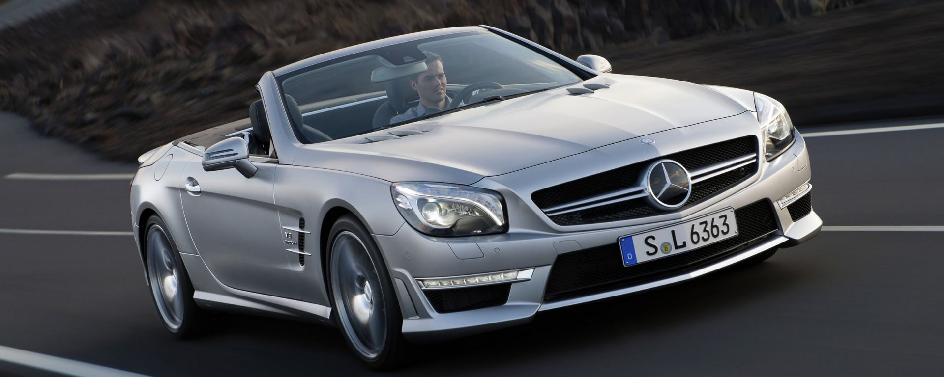 Mercedes SL 2012, ora anche in video