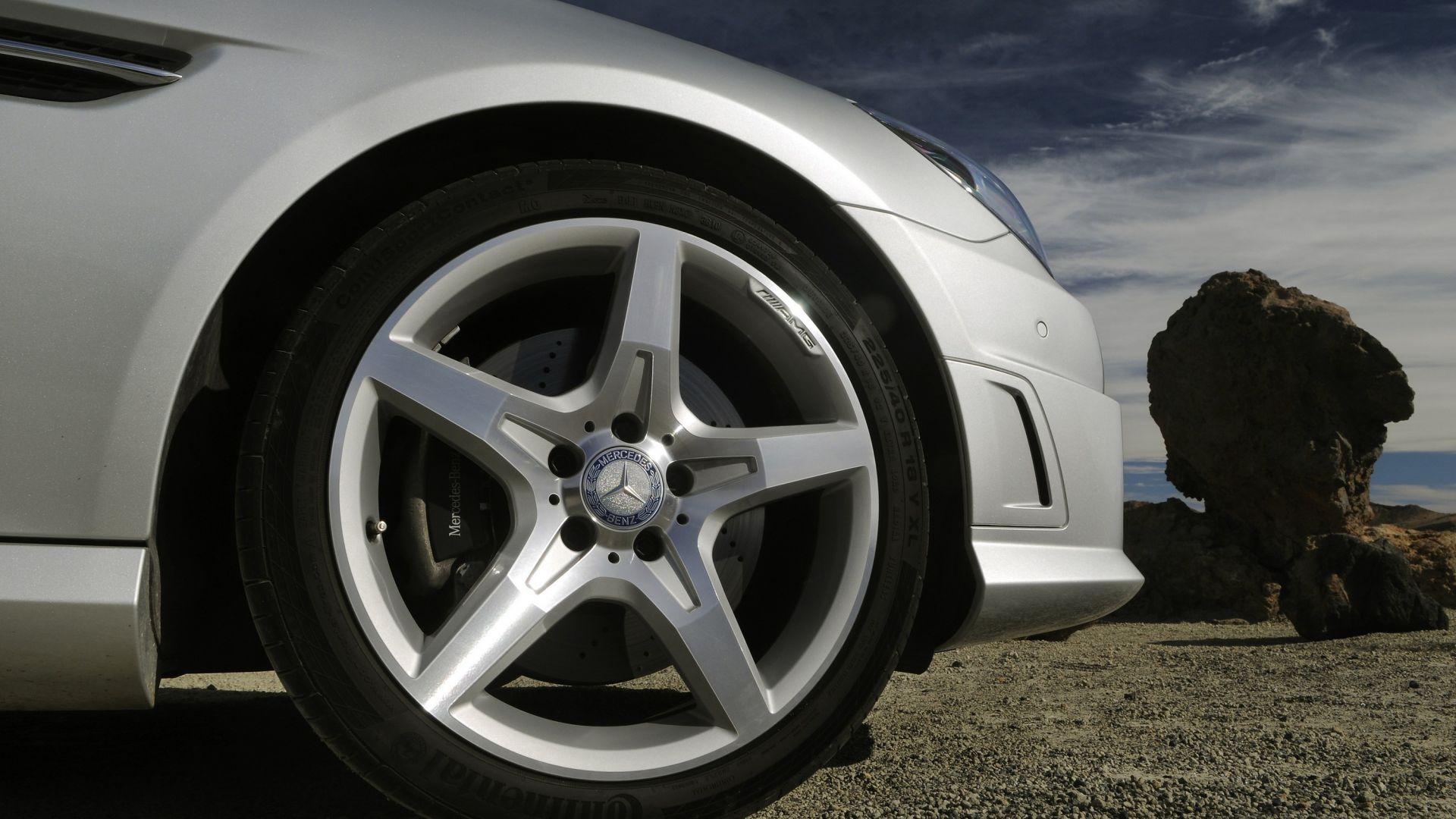 Immagine 48: Mercedes SLK 2011