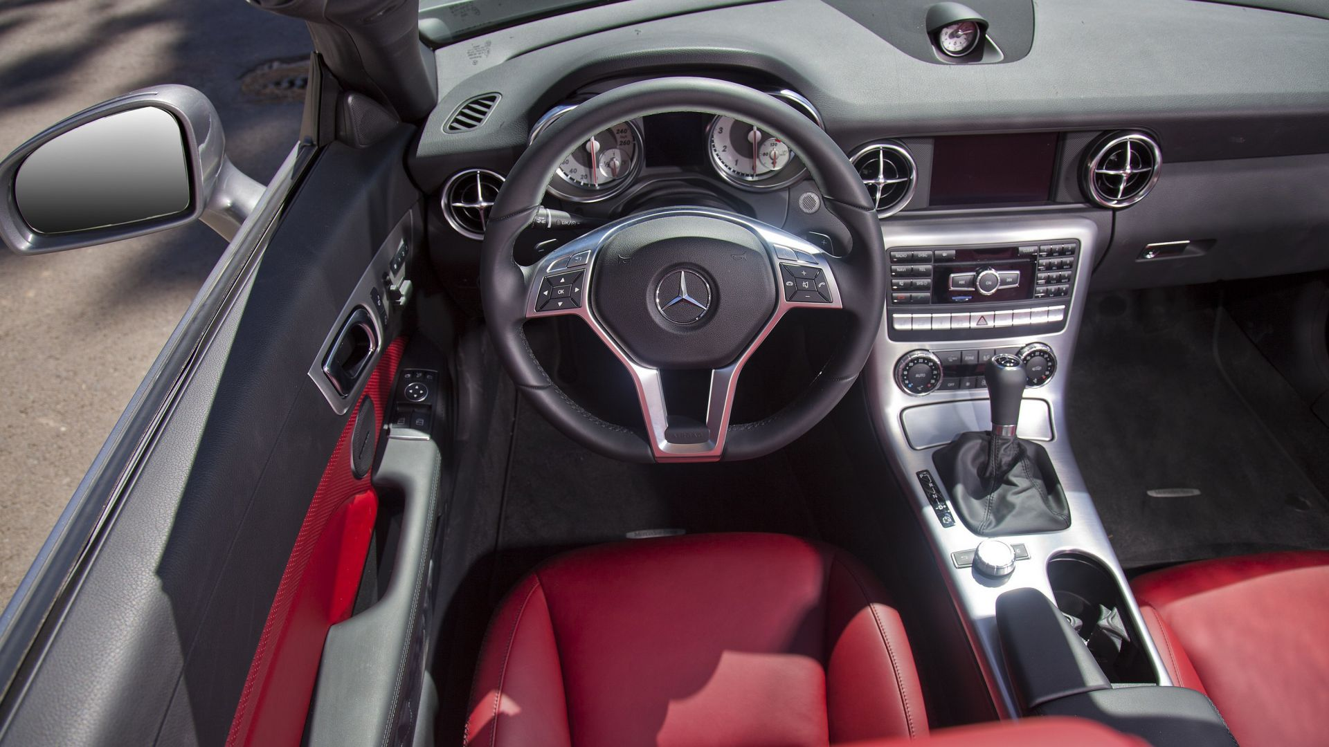 Immagine 29: Mercedes SLK 2011