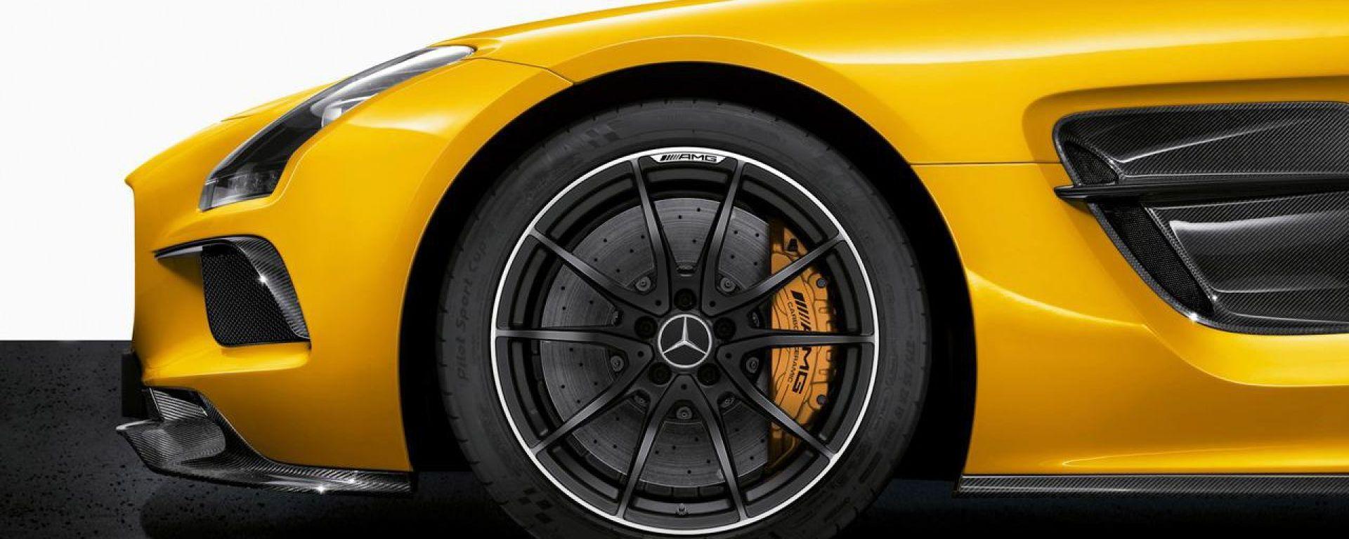 Mercedes SLS AMG Black Series 2014, c'è anche un video