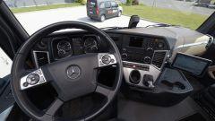 Mercedes Truck: passi avanti verso la sicurezza - Immagine: 22
