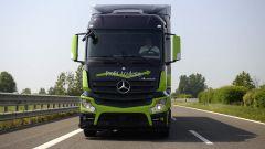 Mercedes Truck: passi avanti verso la sicurezza - Immagine: 17