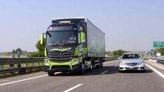 Mercedes Truck: passi avanti verso la sicurezza - Immagine: 14