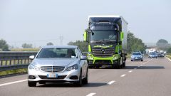 Mercedes Truck: passi avanti verso la sicurezza - Immagine: 13