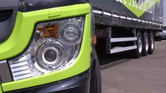 Mercedes Truck: passi avanti verso la sicurezza - Immagine: 2