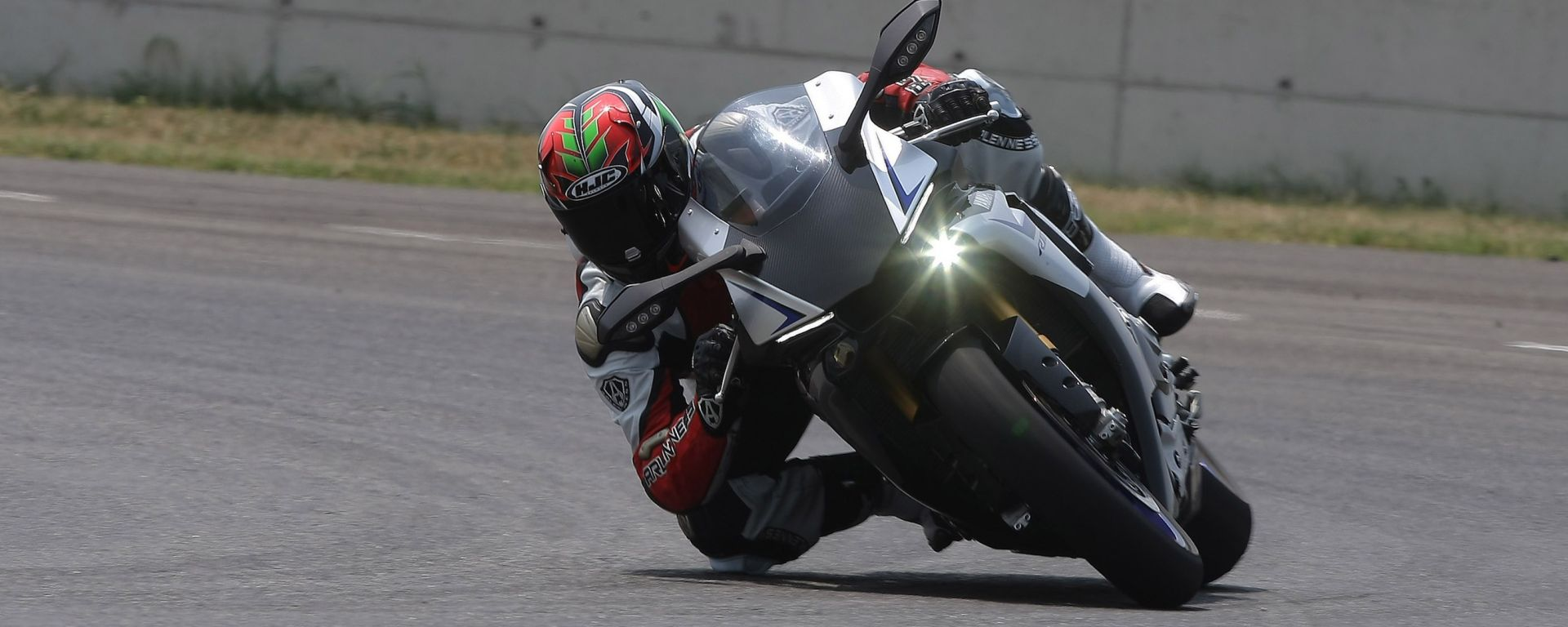 Metzeler Days On Track: a Vallelunga si guida la Yamaha YZF-R1