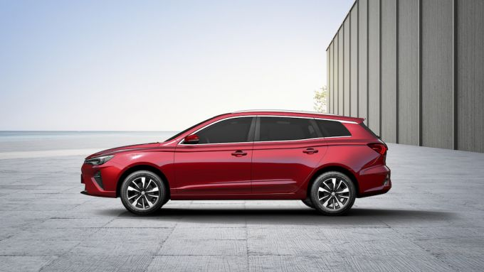 MG MG5 Electric: visuale laterale