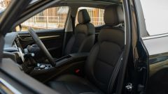 MG ZS EV: gli avvolgenti sedili anteriori