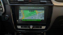 MG ZS EV: lo schermo da 8