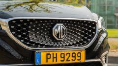 MG ZS EV: particolare della calandra