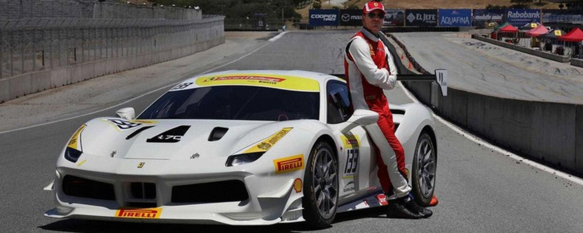 Michael Fassbender e la sua Ferrari 488 Challenge