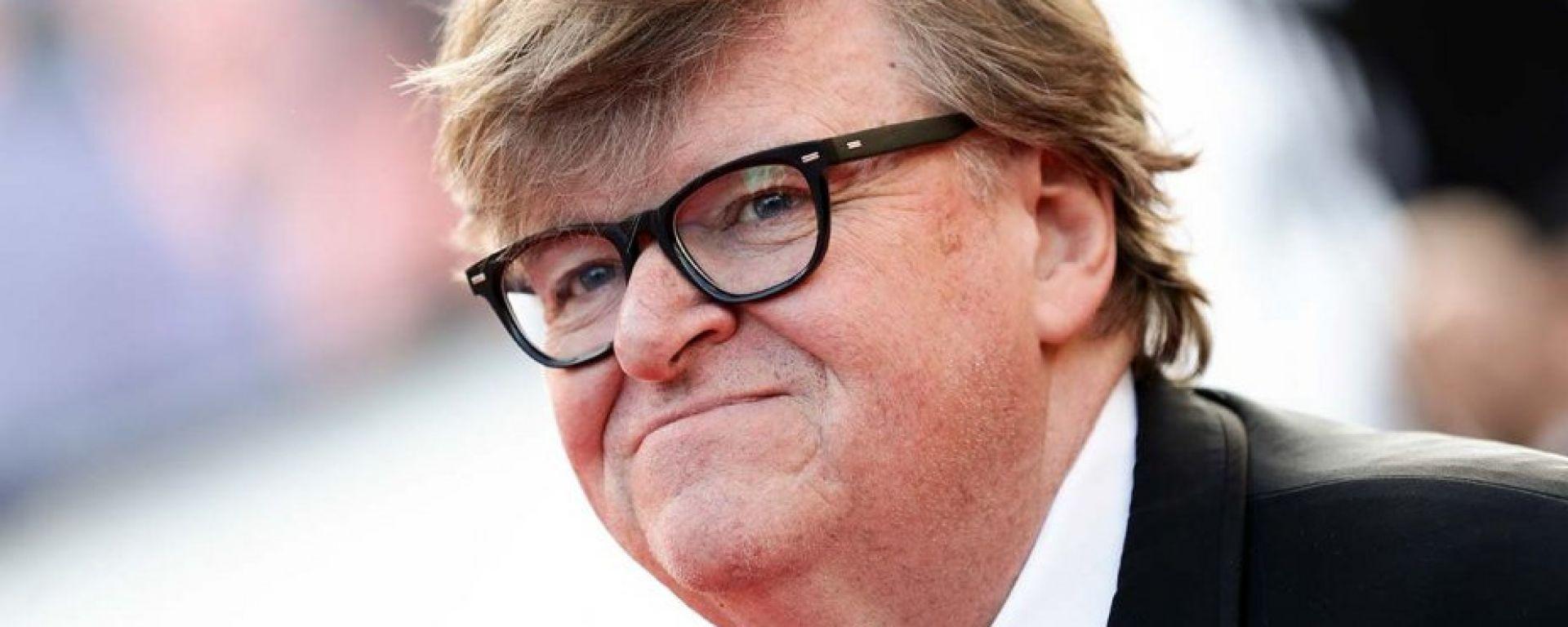Michael Moore contro l'elettrico: complottismo?