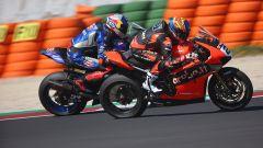 Michael Ruben Rinaldi (Ducati) e Toprak Razgatlioglu (Yamaha)