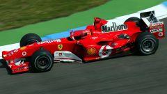 Michael Schumacher al volante della Ferrari F2004