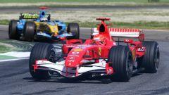 Michael Schumacher contro Fernando Alonso nel 2006 a Imola