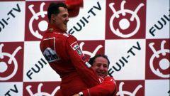 Michael Schumacher festeggia il primo Titolo in Ferrari con Jean Todt (2000)