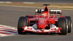 Michael Schumacher in azione con la Ferrari F2004