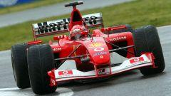 Michael Schumacher in azione con la vincente Ferrari F2002