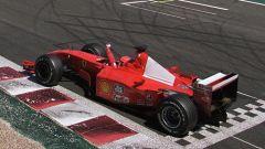 Michael Schumacher vince il Mondiale 2001 sul circuito di Magny-Cours