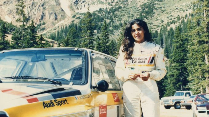 Michèle Mouton e la sua Audi Sport quattro in occasione del record alla Pikes Peak 1985