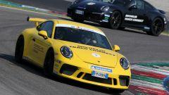 Michelin Pilot Sport Cup 2 Connect: la prova dello pneumatico sportivo, connesso e chiacchierone - Immagine: 2