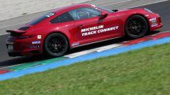 Michelin Pilot Sport Cup 2 Connect: la prova dello pneumatico sportivo, connesso e chiacchierone - Immagine: 22