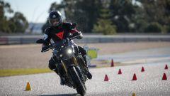 Michelin Road 5: evitamento ostacolo sul bagnato con Yamaha MT01