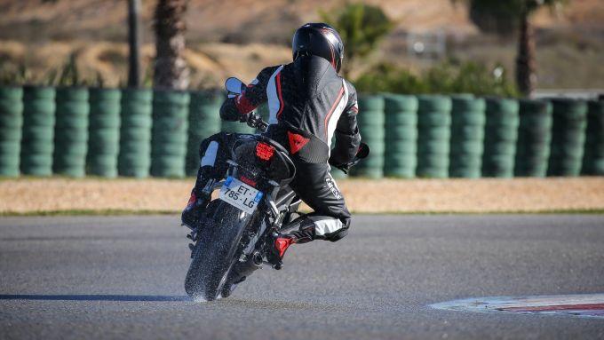 Michelin Road 5: le prove sul bagnato