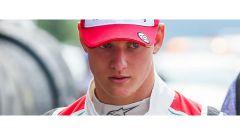 Mick Schumacher correrà in F2 2019 ancora con il Team Prema - Immagine: 1