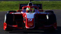 Mick Schumacher impegnato nei test di Formula 2 a Jerez