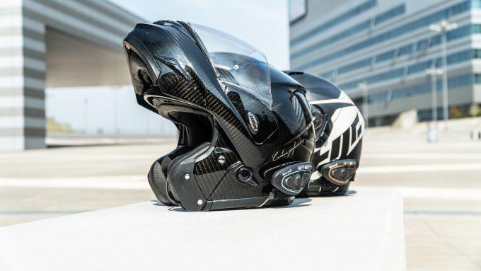 Midland BTX 2&1 PRO S: si montano praticamente su ogni tipologia di casco