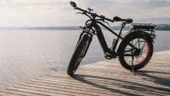 Miloo Mighty Beast: aspetto da e-bike, prestazioni da scooter