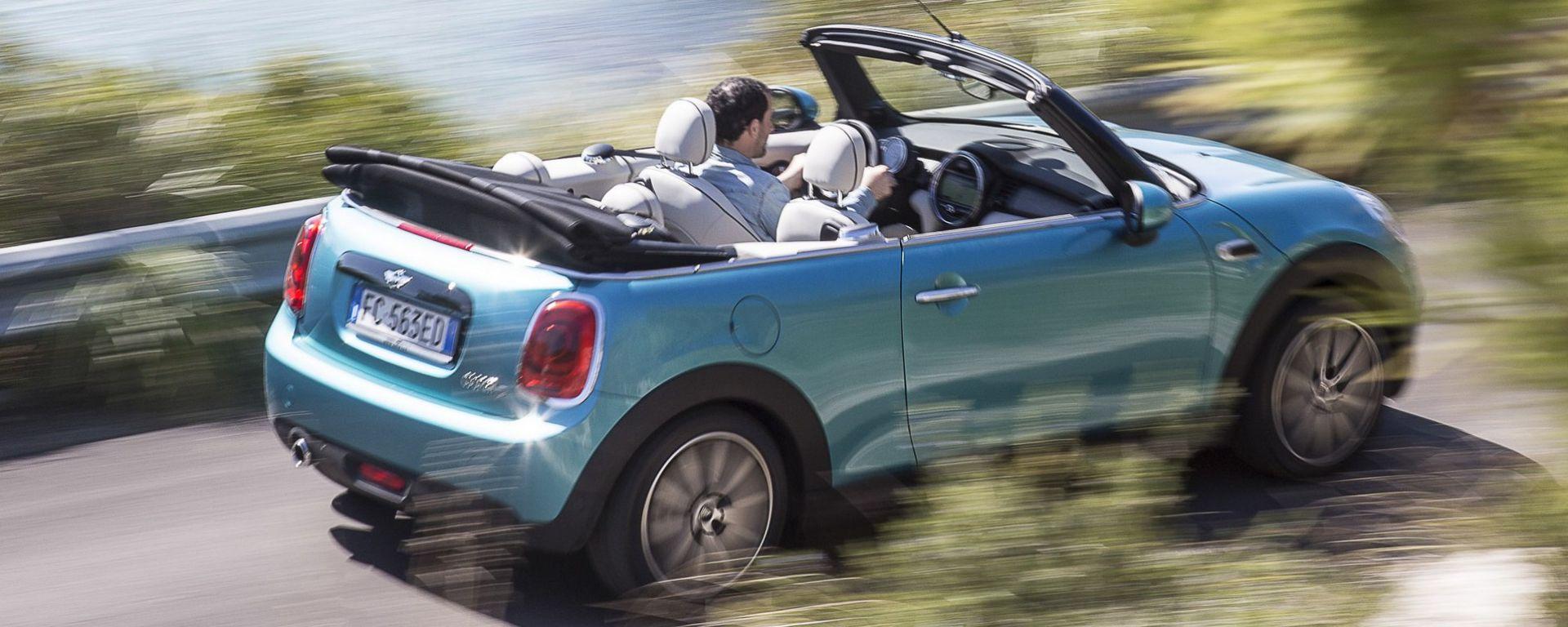 Mini Cabrio 2016: il video