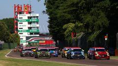Mini Challenge Italia 2019, la partenza della gara di Imola