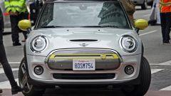 Mini Cooper E: la prima Mini 100% elettrica frontale