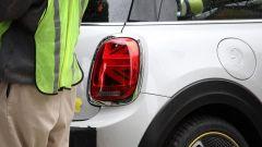 Mini Cooper E: la prima Mini 100% elettrica luce posteriore