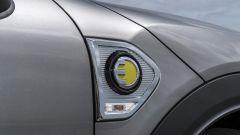 Mini Cooper S E Countryman ALL4: la E gialla identifica la versione ibrida della Countryman