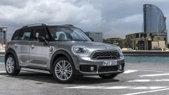 Mini Cooper S E Countryman ALL4: vista 3/4 anteriore