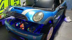 Mini Cooper S: non mancano di certo i LED, anche nel vano motore