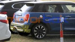 Mini Cooper SE 5 porte: cambia anche il paraurti posteriore