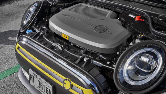 Mini Cooper SE: dettaglio del motore