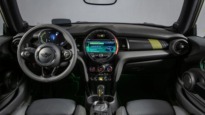 Mini Cooper SE: interni