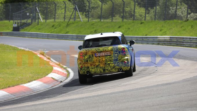 Mini Countryman 2021, foto spia al Nurburgring