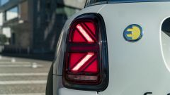 Mini Countryman SE All4 plug-in hybrid: lo Union Jack nelle luci posteriori