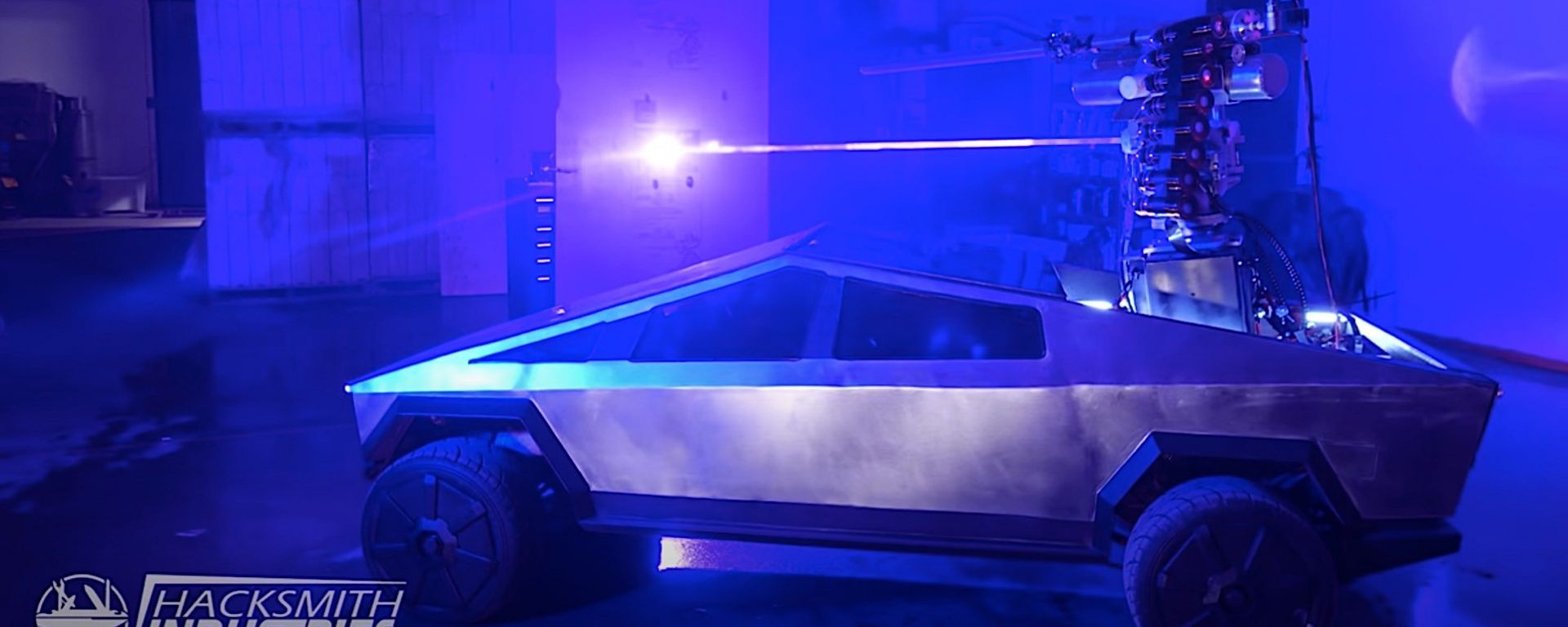 Mini Cybertruck: dettaglio del fascio laser