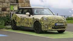 Mini Cooper SE, l'elettrica mostra i muscoli. E in un video... - Immagine: 17